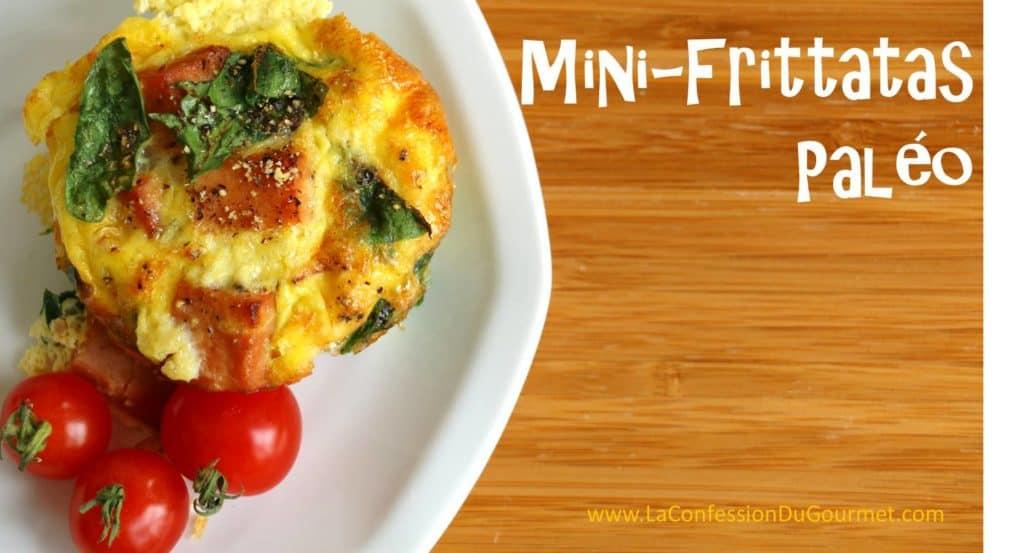 Mini-frittatas Paléo, photo d'un muffin avec tomate et avec titre.