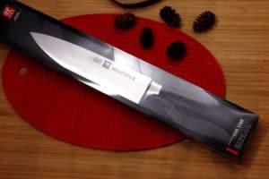 Photo du couteau de chef, premier prix du concours vos meilleures recettes de la confession du gourmet