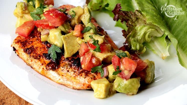 https://laconfessiondugourmet.com/filet-de-saumon-grille-salsa-keto/