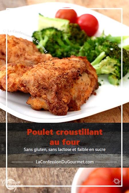 Morceau de poulet croustillant vue de près avec tomates et brocolis en arrière plan sur assiette blanche