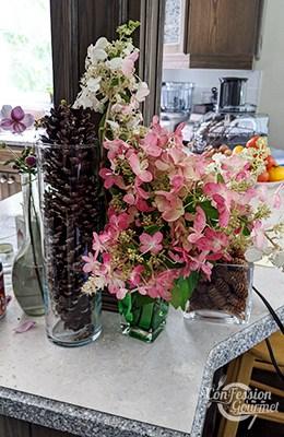 Bouquet d'hydrangées coniques de couleur rose et blanc